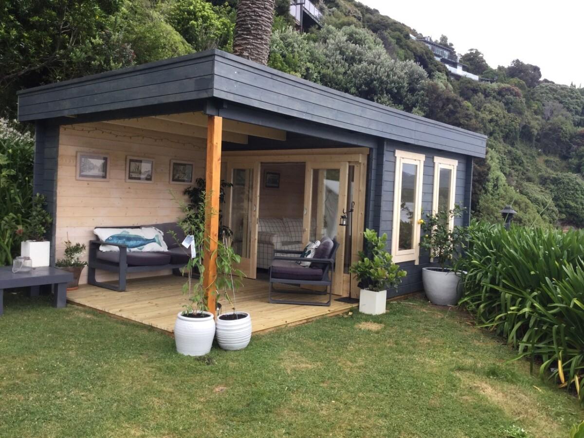 Gartenhaus mit Terrasse Lucas E 20m² / 20mm / 20 x 20 m