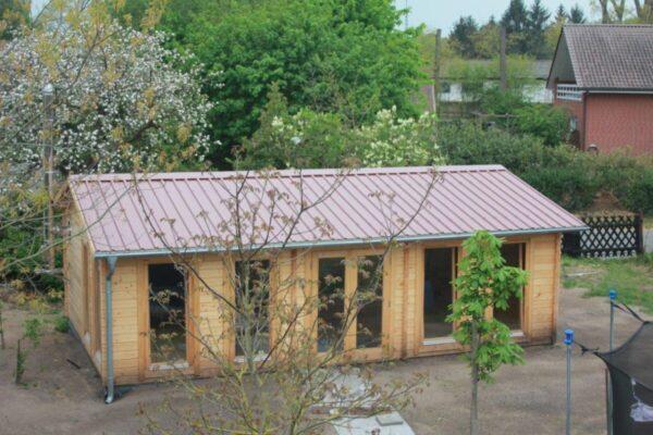 Großes Gartenhaus Österreich für die Unterbringung einer Tischtennisplatte 1