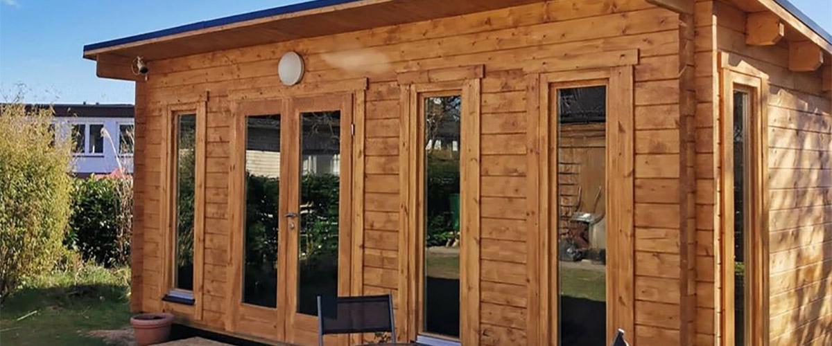 Angenehme Temperaturen im Gartenhaus aus Holz im Sommer
